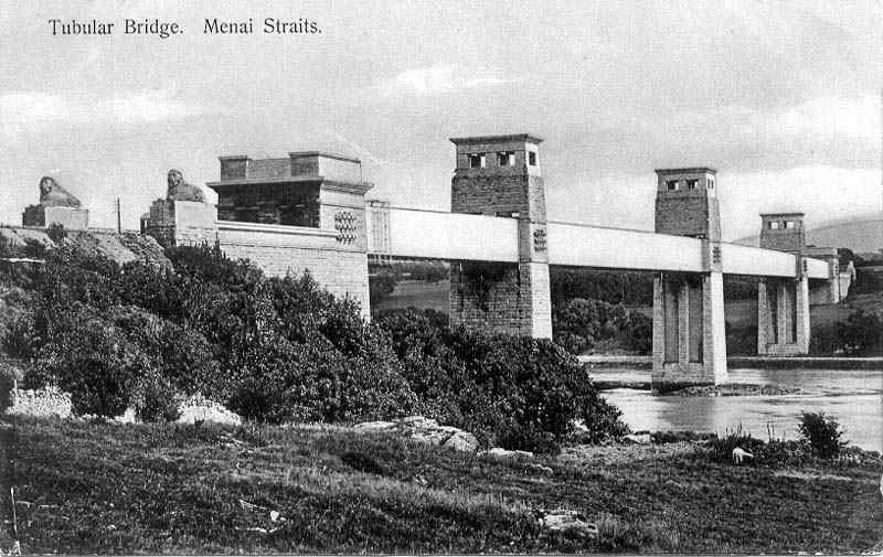 Menai Tubular Bridge - how the lions looked in the early 1900's