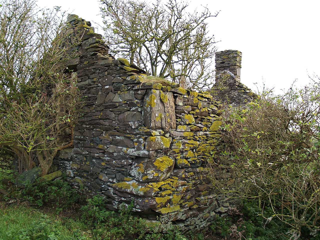 Bodedern, Felin Manaw Windmill - possible Millers Cottage remains