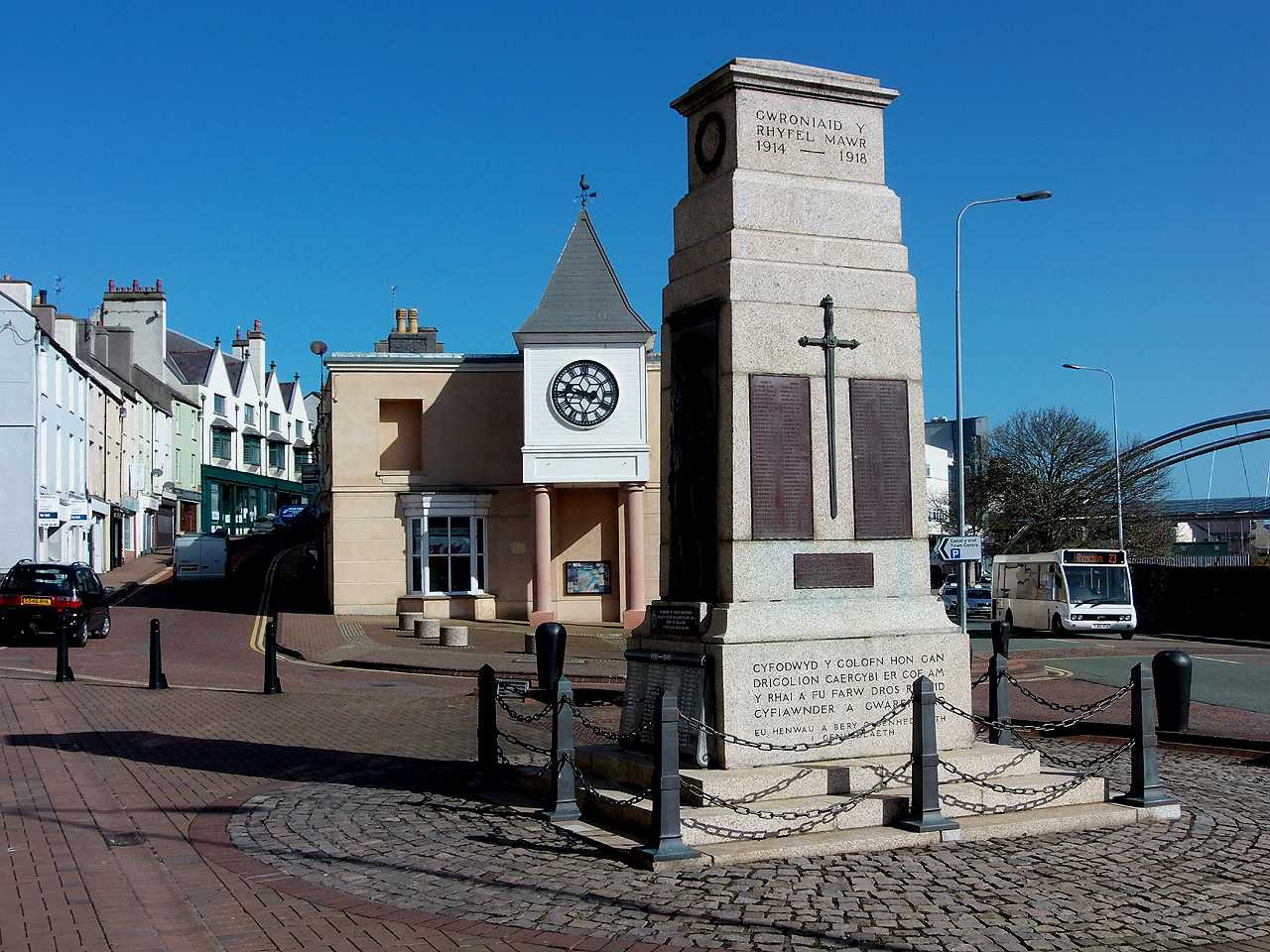 holyhead war memorial near the town clock