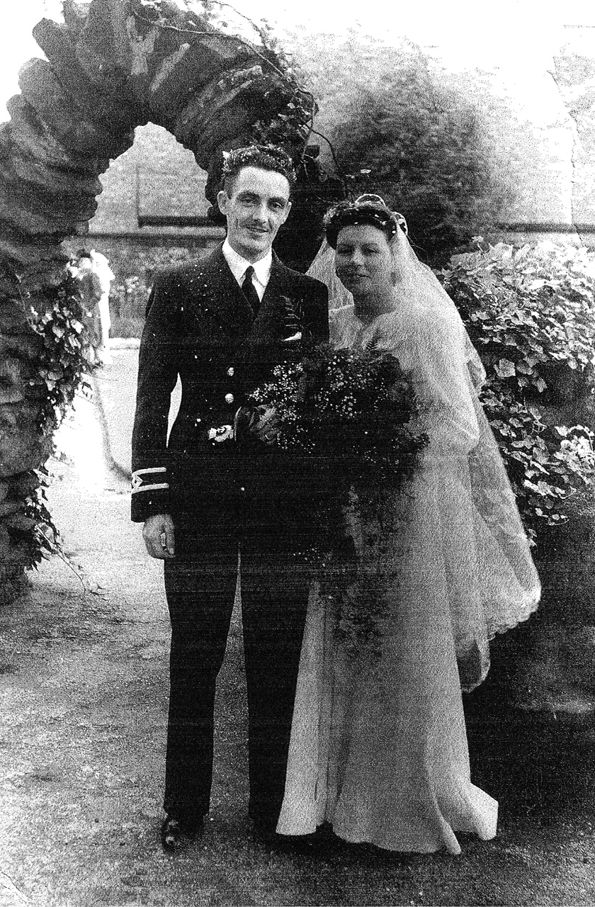 chief officer joseph stanley jones and his bride freda helena lomax wedding day 1942