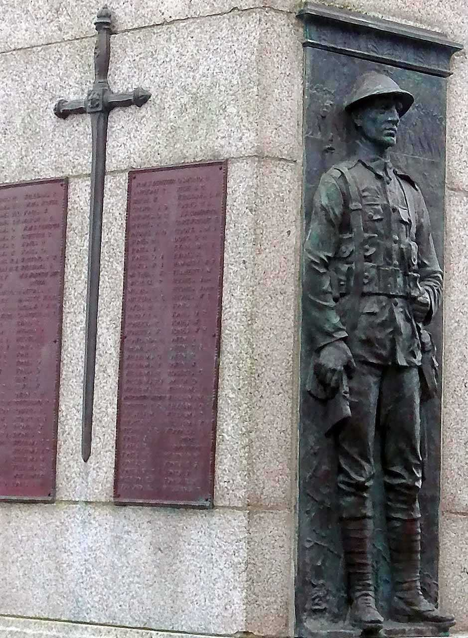 Holyhead War Memorial - Bronze Soldier