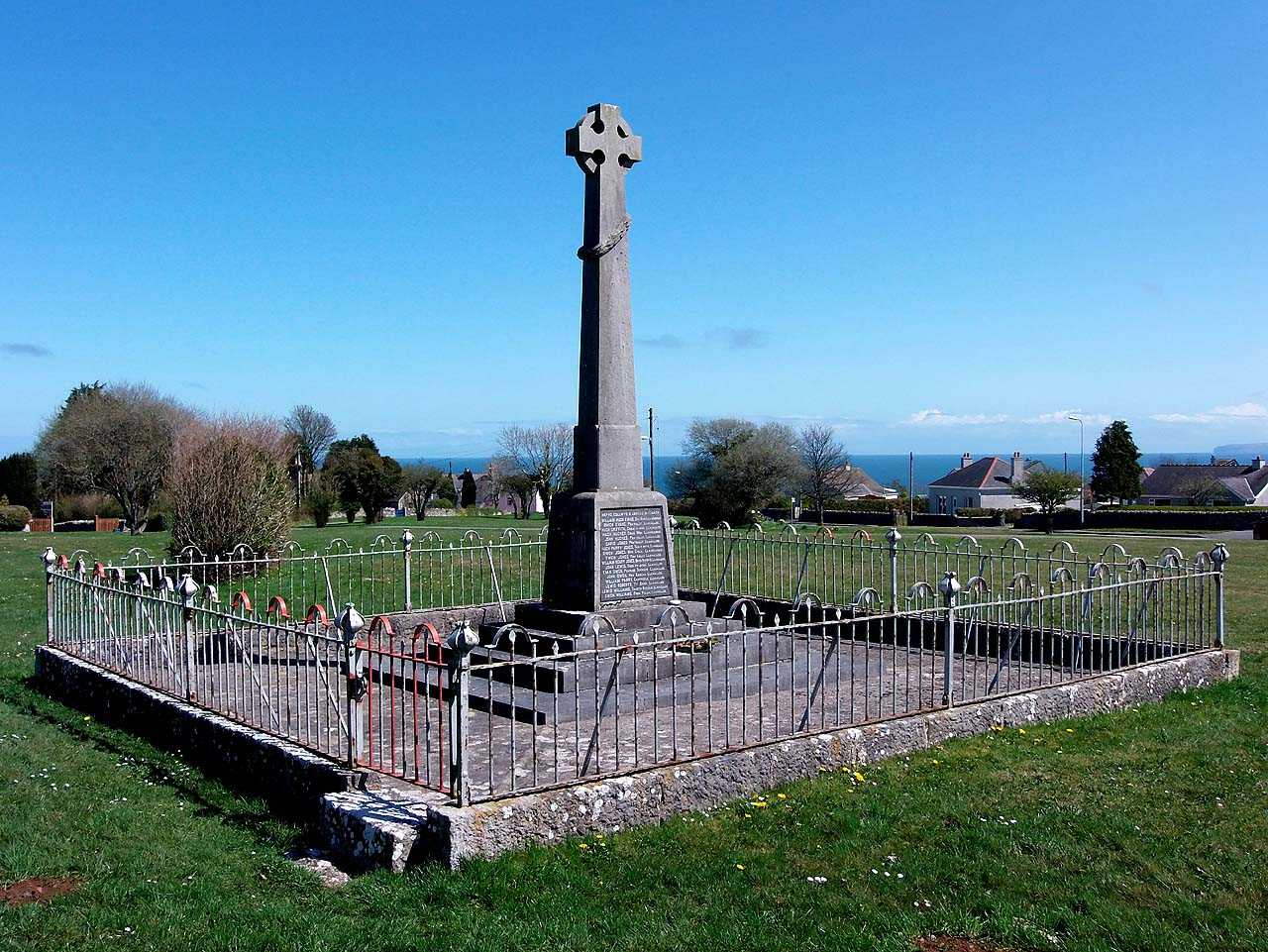 Anglesey, Marianglas War Memorial
