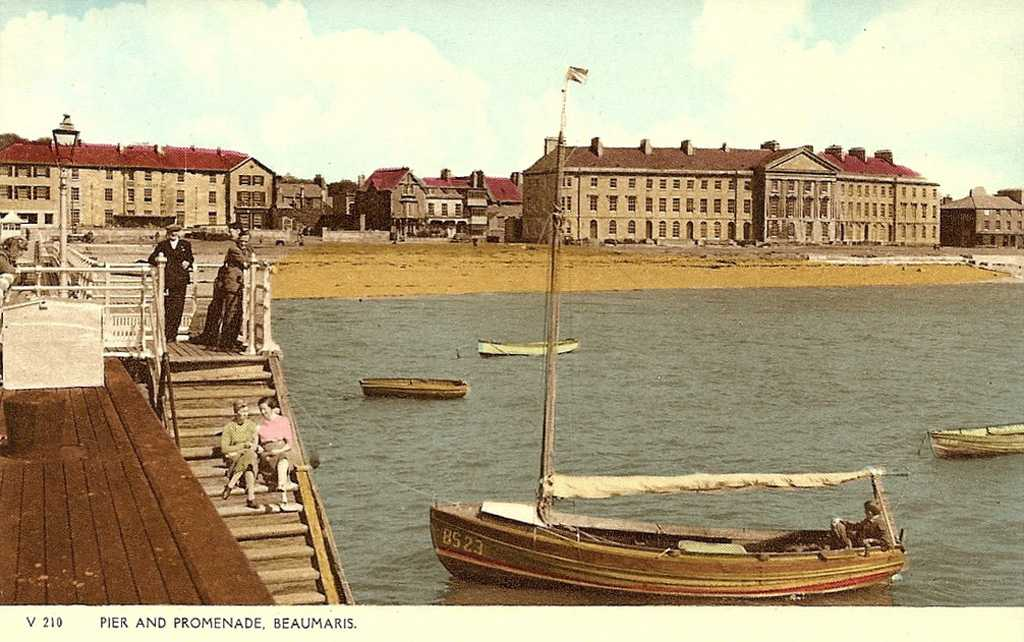 Beaumaris Pier in the 1950's