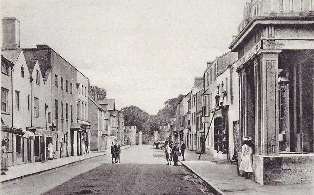 Beaumaris, Castle Street in the 1910's