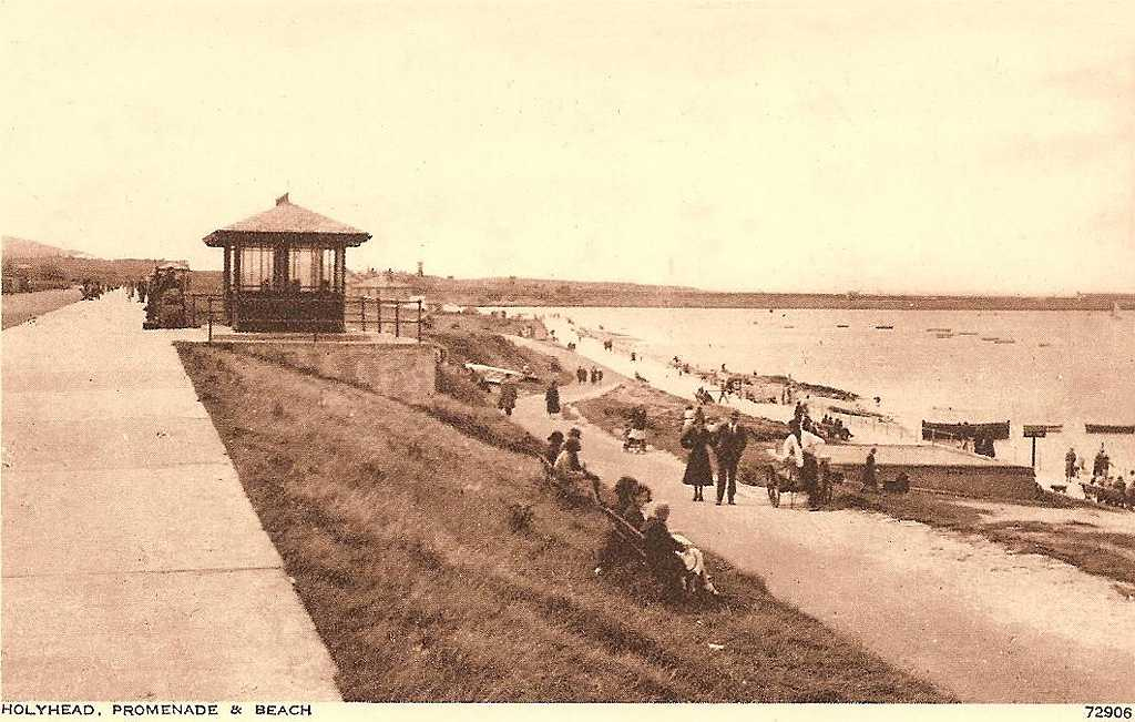 An early photograph of Newry Beach - 1930's possibly
