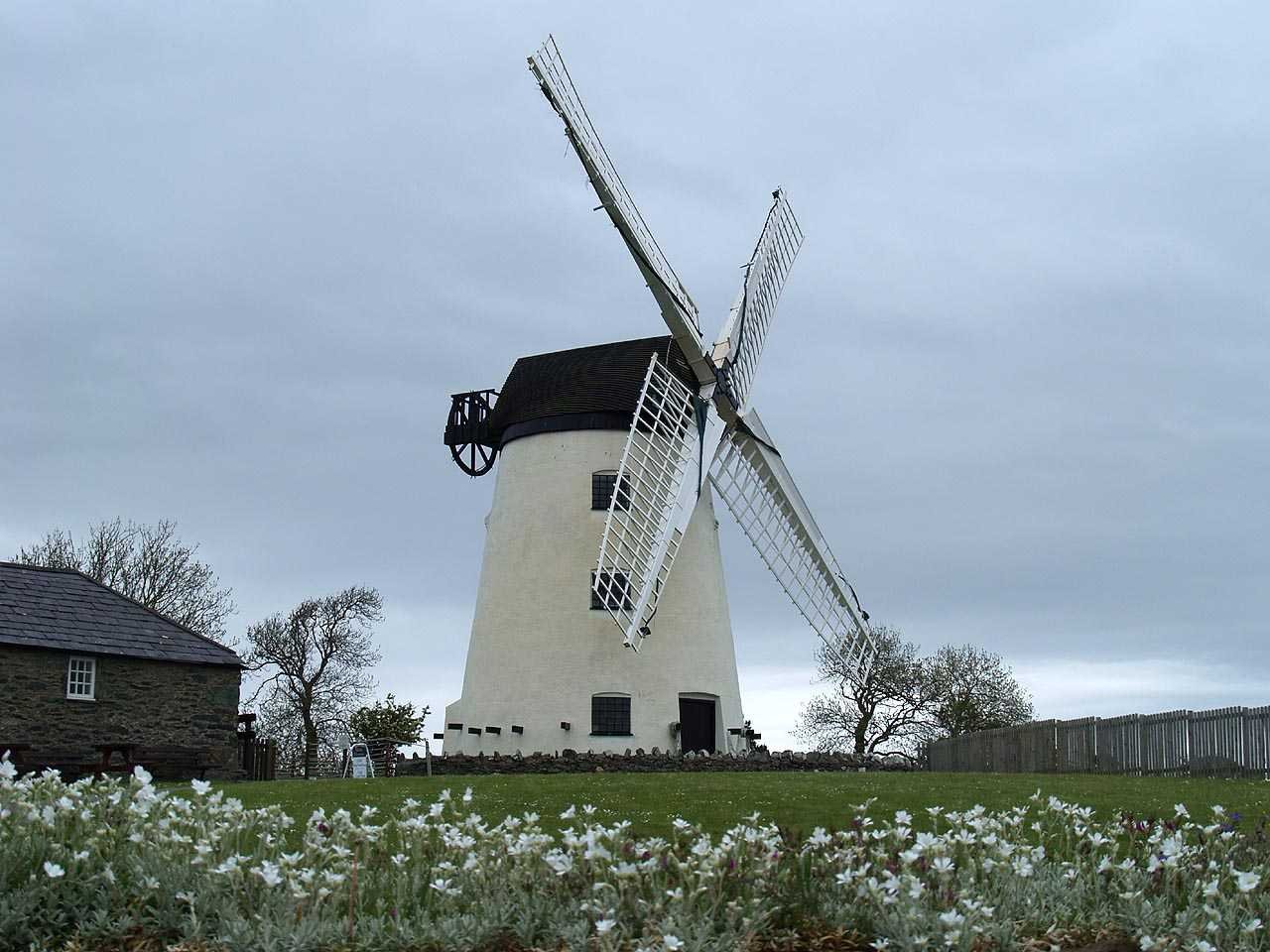 Anglesey, Llanddeusant, Llynnon Mill